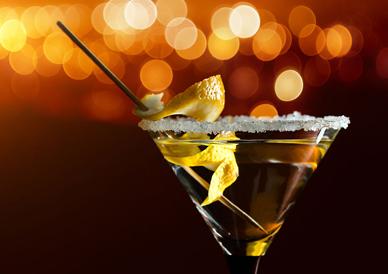 调酒市场前景广阔  学调酒创就业形势大好